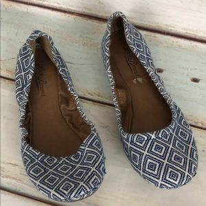 Lucky Brand Shoes - Lucky Brand Flats Erin Canvas Blue Geometric Print